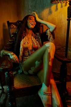 Captured by photographer Billy Kidd, Canadian model Winnie Harlow wears a Tarun Tahiliani dress on the cover of Vogue India's March 2020 issue. Justin Campbell, Edie Campbell, Winnie Harlow, Editorial Photography, Fashion Photography, Glamour Photography, Lifestyle Photography, Billy Kidd, Canadian Models