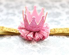 Adorable rosa y oro brillan corona diadema por AverysCoutureLook                                                                                                                                                                                 Más