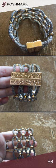 🌸Bracelet silver tone and gold tone 🌸 🌸Bracelet silver tone and gold tone 🌸 Jewelry Bracelets