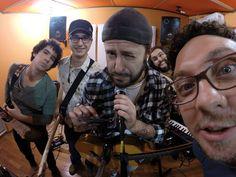 A banda Cabrazen se apresenta neste dia 06,  às 21h, no Boutique Vintage Brechó Bar, um cantinho retro que faz você se sentir em casa. A entrada é Catraca Livre.