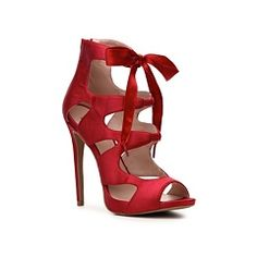 Mix No. 6 Martina Pump...oh yes I did. Jared liked these in red :)