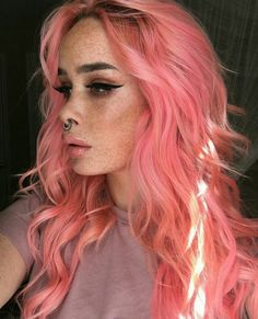 Inspiring Pastel Hair Color Ideas – My hair and beauty Color Del Pelo, Pastel Hair, Bright Pink Hair, Orange And Pink Hair, Coral Hair Color, Baby Pink Hair, Coloured Hair, Dye My Hair, Mermaid Hair