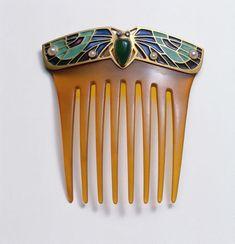 Peigne d'or décoratifs, d'agates couleur, perles, diamants, émail, écaille de tortue de conception Georg Kleemann, Pforzheim conception Lauer & Wiedmann