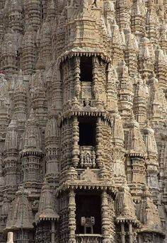 2000-year-old temple known as Jagat Mandir (World temple), Gujarat, India Temple India, Hindu Temple, India Architecture, Architecture Design, Beautiful Places, Beautiful Pictures, Archaeological Discoveries, 1000 Years, Seven Wonders