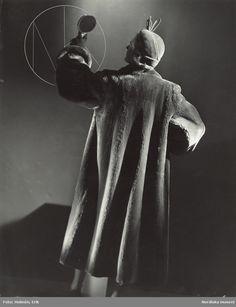 Kvinna i päls och hatt. Foto  Erik Holmén för Nordiska Kompaniet dd80dd57ca384