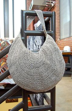 Crochet Circle Bag: free pattern. Very Boho! love it, nice share, thanks so xox