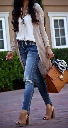 In this article you will check out the most elegant and trendy Cute Fall Outfits. These are really cool tips for you to have a lot of style in the cold season. Check out Cute fall outfits images Style Outfits, Cute Fall Outfits, Fall Fashion Outfits, Casual Summer Outfits, Fall Fashion Trends, Look Fashion, Spring Outfits, Trendy Outfits, Fashion Images