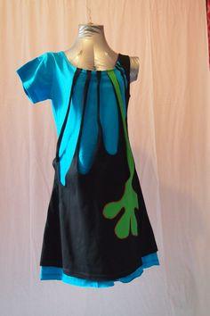 model dua blauw/zwart 50 euro unieke, handgemaakte jurken vol kleur voor een vrolijke uitstraling. Ik werk vooral met de kleuren geel, groen, blauw, paars, roze en rood. Onderscheid je van de rest! Zie ook de facebook-pagina voor meer informatie en foto's.
