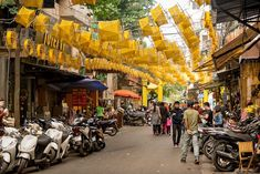 Vietnam Travel Guide - Lanterns