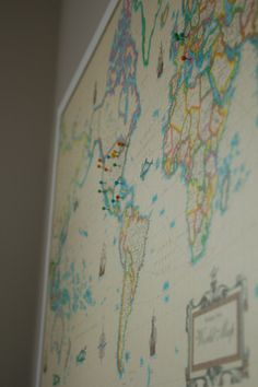 DIY World Travel Map. So much cheaper than buying a pre-asembled version. for dad Diy Arts And Crafts, Diy Craft Projects, Map Crafts, Craft Ideas, Diy Ideas, Decor Ideas, Homemade Art, Travel Maps, Travel Scrapbook