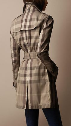 Mid-Length Lightweight Technical Fabric Check Trench Coat | Burberry