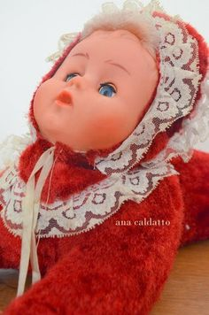 Ana Caldatto : Lembra da Boneca Dorminhoca sobre a colcha de Chenille? https://br.pinterest.com/pin/368450813249529103/?lp=true
