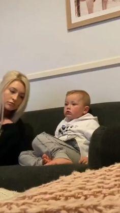 Cute Baby Photos, Cute Funny Baby Videos, Crazy Funny Videos, Cute Funny Babies, Cute Baby Boy, Funny Videos For Kids, Cute Little Baby, Funny Kids, Little Babies