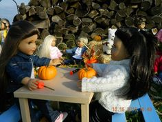 Show & Tell: Signs of the Season Theme - Carving Pumpkins