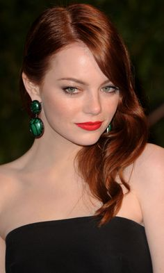 Red hair is a hot trend today! Many celebrities rock red hair – you can see redhead actresses and singers – from Emma Stone to Rihanna, and almost all Color Cobrizo, Hair Color, Red Haired Actresses, Actresses With Red Hair, Red Hair Celebrities, Celebs, Ema Stone, Emma Stone Hair, Red Hair Looks