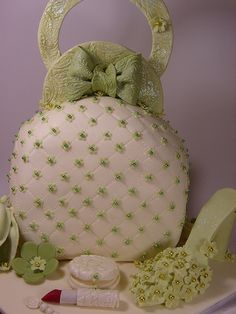 Green and ivory handbag and shoe Cake....I want one of these for my 50th bday!
