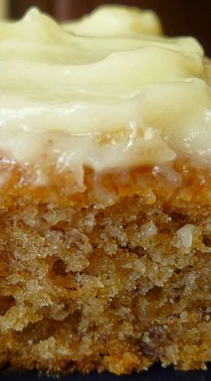 Banana Sheet Cake with Cream Cheese Frosting - made April 2015 from Simply Recipes After my last two baking debacles ( Snickerdoodl. Brownie Desserts, Mini Desserts, Just Desserts, Delicious Desserts, Dessert Recipes, Frosting Recipes, Coconut Dessert, Oreo Dessert, Banana Dessert