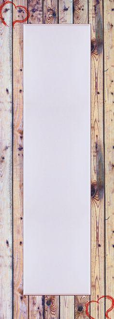 Der erste Blick am Morgen und der letzte am Abend gilt häufig dem Spiegel.  Umso wichtiger eine Auswahl an hochwertigen Spiegeln für den Kunden bereit zu halten. Für jede Zielgruppe. Für jeden Kundengeschmack. Der Spiegel ist aus brillantem Kristallglas mit rundum 2,5 cm Facettenschliff in einem aufwändigen Designerrahmen gerahmt. Der Rahmen ist über Eck verarbeitet.   Made in Germany. Der Spie…