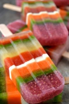10 Homemade Popsicle Recipes To Keep You Cool | theglitterguide.com