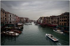 Rialto Bridge (Ponte de Rialto), Venice. Italy. Fine Art Print available in www.ernestooehler.com