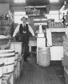 W.B. HARRISON MEATS & GROCERY circa 1940 Concord, Cabarrus County, N.C., USA
