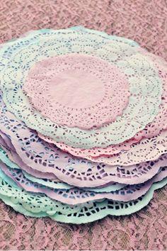Super Fast Craft - Dye  Paper Doilies.