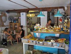 Café El Mar y tienda enBioverde. Embajadores, 31