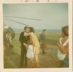 Personal photographs of the Kennedy family on Squaw Island, Summer of 1963 ~ Jackie Kennedy Los Kennedy, Caroline Kennedy, Jacqueline Kennedy Onassis, John F Kennedy, Jaqueline Kennedy, Familia Kennedy, John Junior, Jfk Jr, John Fitzgerald