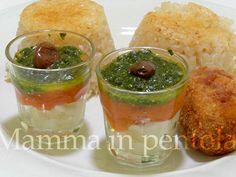 Mamma in pentola: Bicchierini di pomodoro, burrata e salsa di basilico