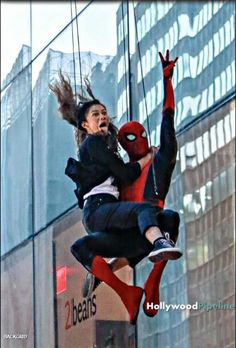 The best photo from set of Spider-man: Far from Home : marvelstudios Marvel Fan, Marvel Avengers, Spiderman Marvel, Hindi Movies, Disney Pixar, Tom Holland Zendaya, Dc Comics, Tom Holland Peter Parker, Film Serie