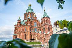 Helsinki Uspenski Kathedrale   http://littlecity.ch/helsinki-staedtetrip-unsere-7-schoensten-reisetipps-fuer-die-finnische-hauptstadt/