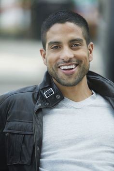 """Adam Rodríguez is best known as Eric Delko on """"CSI: Miami."""" Born in Yonkers, his dad is half Puerto Rican and half Cuban and his mom is of Puerto Rican ancestry. Adam Rodriguez, Michael Rodriguez, Gorgeous Men, Beautiful People, Beautiful Smile, Hommes Sexy, Raining Men, Fine Men, Attractive Men"""