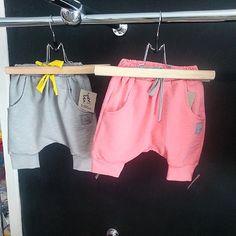 Polecamy urocze spodenki na lato z cieńkiego materialu od marki TUSS ♥ #tuss #newcollection #malystyl #kidsstore #sklepdladzieci #modnedzieci #kidsfashion #fashionkids #fashion #kidstyle #kids #krakow #cracow #polishdesigners #polish_design  (w: Malystyl)