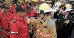Presidente Santos anuncio mejores herramientas para Bomberos Presidents, Saints, Firefighters, September, Tools, Get Well Soon