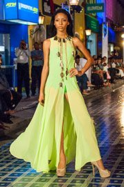 Favorite Pasarela Curaçao model search HossH and Alejandra Valdivieso accesories maxi necklace. Maxi collar maxinecklace
