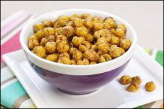 Hungry Girl's Crispy Roasted Chickpea recipe featured on Dr. Great healthy snack that has both fiber and protein! Skinny Recipes, Ww Recipes, Dog Food Recipes, Snack Recipes, Cooking Recipes, Quorn Recipes, Dinner Recipes, Cherrios Recipes, Brocolli Recipes