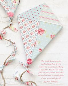 Fly away with this tutorial for patchwork kites by Niki Meiners.   Sew Somerset