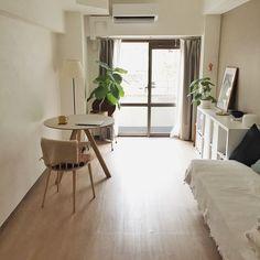 Small Room Layouts, Muji Home, Living Room Decor, Bedroom Decor, Room Interior, Interior Design, Minimalist Room, Aesthetic Rooms, House Rooms