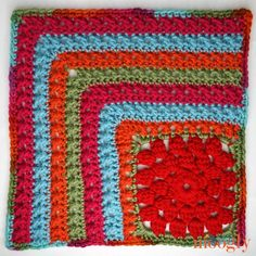 Moogly CAL 2018 - Afghan Block This free block pattern in the Moogly Crochet Along is by Underground Crafter! Crochet Motif Patterns, Crochet Chart, Crochet Squares, Crochet Designs, Free Crochet, Granny Squares, Moogly Crochet, Crochet Afghans, Crochet Granny