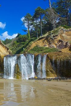Travel | Oregon | Attractions | Sites | Unique | Beach | Beach Waterfall | Outdoor | Nature | Best Hikes