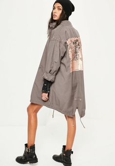 Parka coats are the perfect piece for upgrading your jacket collection. In an oversized design with sequins to the back - this is one killa' coat! Grey Parka, Parka Coat, Gray Coat, Oversized Hoodie Dress, Oversized Coat, Winter Coats Women, Coats For Women, Clothes For Women, Loungewear Jumpsuit