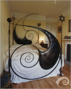 Spiral Iron Bed- wow