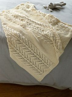 Classic Lace Baby Throw pattern by Lion Brand Yarn Free pattern ♥♥>1500 FREE patterns to knit♥♥ pinterest.com/... for more than 1500 FREE patterns to KNIT