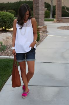 35 Trendiest Short Casual Outfit for Beautiful Women is part of Summer shorts outfits - You may wear anything you enjoy, even shorts outfits The perfect travel outfit is genuinely super formulaic Whether you would […] Casual Summer Outfits For Women, Summer Shorts Outfits, Shorts Outfits Women, Outfits Damen, Mode Outfits, Short Outfits, Spring Outfits, Fashion Outfits, Fashion Styles