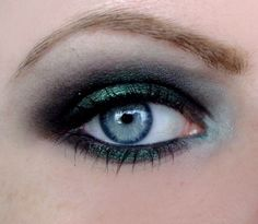 beautiful smokey eye - Click image to find more Hair & Beauty Pinterest pins