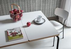 Master, design Paolo Vernier by Midj in Italy. Extensible table with steel frame. Top available in different sizes and finishes. Also available fixed version. E Piano, Steel Frame, Chair Design, Dining Table, Contemporary, Furniture, Nordic Design, Home Decor, Italy