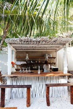 Lovely bar . It smells sea and sand.. Heartwood Restaurant- Tulum, Mexico
