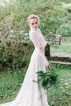 Botanical bridal shoot in Tuorla, Finland. Follow the link to see the article & creative team. Photo: willowvisuals.com