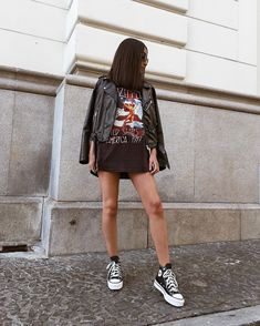 Expensive Women S Fashion Brands Code: 4979501555 Estilo Converse, High Top Converse Outfits, Edgy Outfits, Fashion Outfits, Rock Outfits, Converse Sneaker, Sneaker Outfits, Women's Converse, Custom Converse