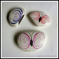 Painting Rock & Stone Animals, Nativity Sets & More: Where Can I Find Rocks for Painting? Informations About Painting Rock & Stone Animals, Nativity Sets & More: Where Can I Find Rocks for . Pin You Rock Painting Patterns, Rock Painting Ideas Easy, Rock Painting Designs, Pebble Painting, Pebble Art, Stone Painting, Painting Art, Stone Crafts, Rock Crafts